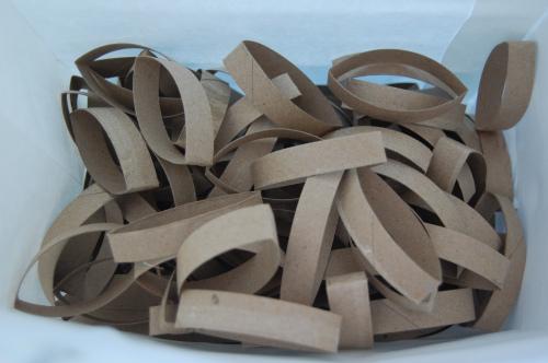 Arte con tubos de cart n de papel higi nico gu a de - Adornos navidenos con rollos de papel higienico ...