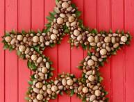 imagen Corona navideña estrella con frutos secos