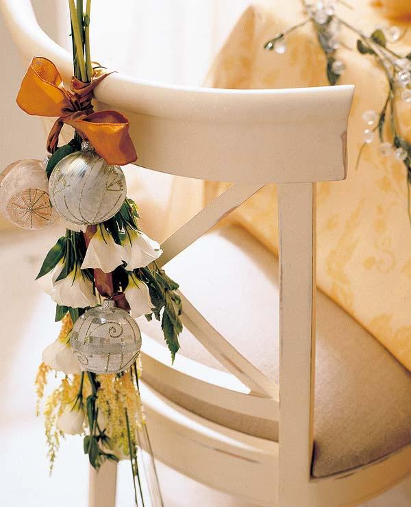 Sillas decoradas por navidad 13