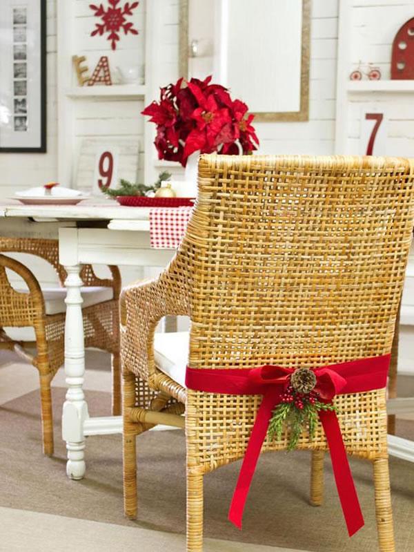 Sillas decoradas por navidad 14