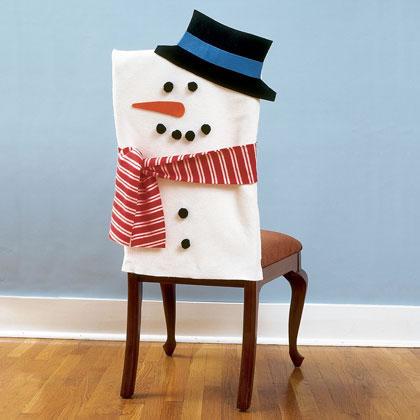 Sillas decoradas por navidad 3
