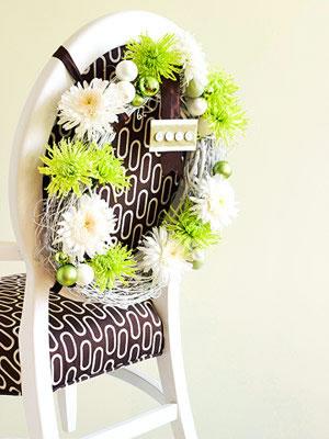 Sillas decoradas por navidad 8