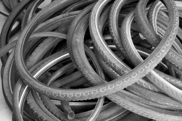 Cinturón con neumático de bicicleta 2