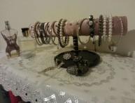 imagen Organizador de brazaletes con cosas que hay por casa
