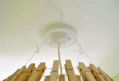 Lámpara con broches de ropa 7