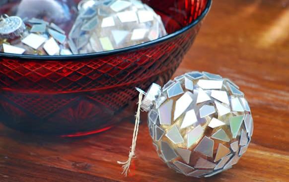 Bolas navideñas con cds 1