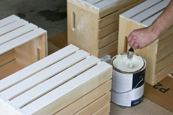 Estantería con cajas de madera 2