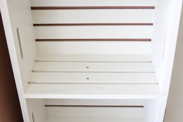 Estantería con cajas de madera 3