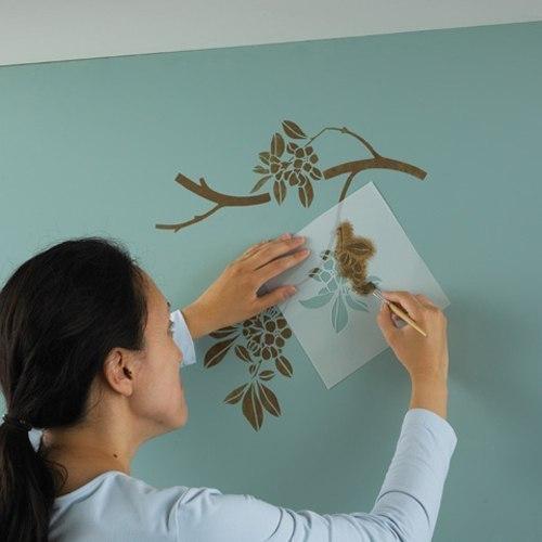 Personaliza las paredes de tu habitaci n gu a de - Como pintar una pared ya pintada ...