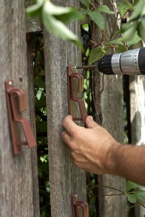 Un jard n vertical con macetas gu a de manualidades for Macetas para jardin vertical