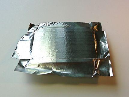 Caja de diseño con aluminio repujado 06