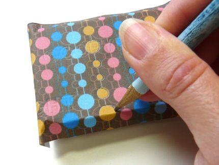 Caja de diseño con aluminio repujado 09