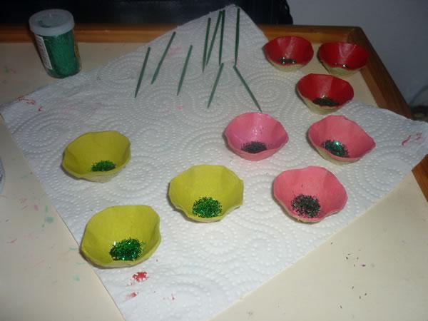 flores con cartón de huevos 3