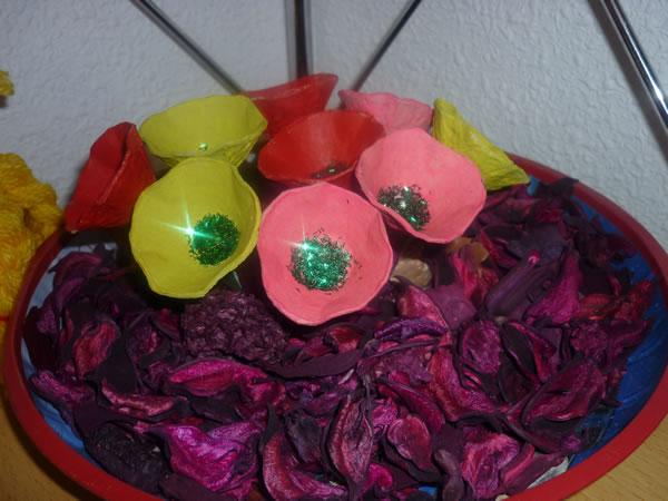 flores con cartón de huevos 1