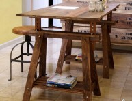 imagen Mesa rústica con caballetes