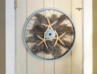 imagen Bonito adorno marino con la rueda de una bici