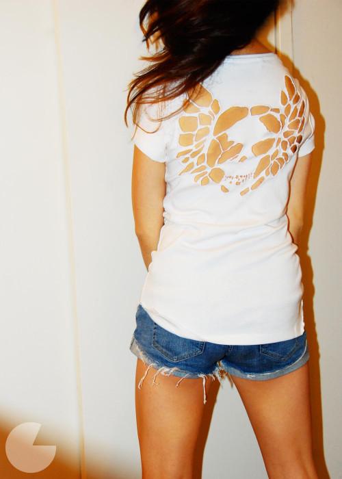 Camiseta con una calavera 6