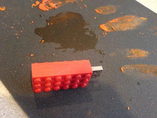 Como hacer un lego pendrive 5