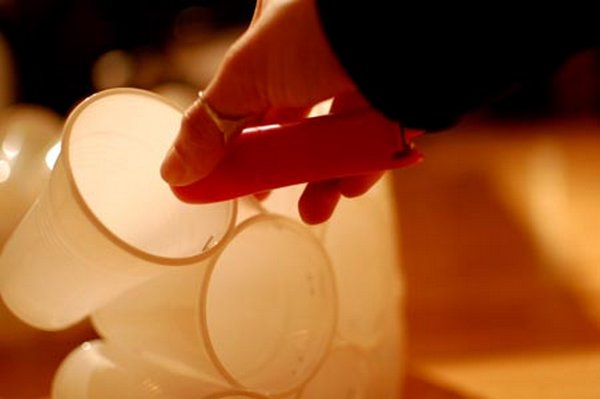 Lámpara con vasos 4