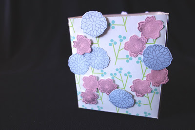 reciclar-una-caja-de-panuelos-para-envolver-regalos-04