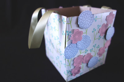 reciclar-una-caja-de-panuelos-para-envolver-regalos-05
