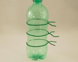Luciérnaga con materiales reciclados 2