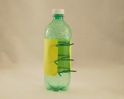 Luciérnaga con materiales reciclados 4
