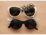 imagen Gafas de sol con pedrería y figuritas