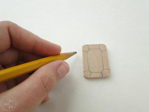 Gemas de madera pintadas gu a de manualidades - Manualidades de madera paso a paso ...
