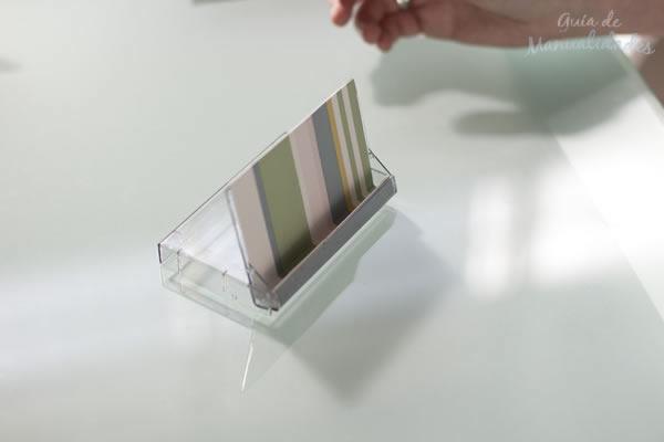 Soporte con cajas de cassettes 14