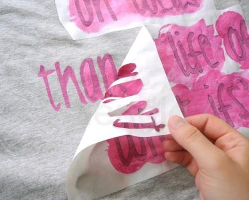 Haz tu propia camiseta con mensaje - Guía de MANUALIDADES 129f58bb5ab23
