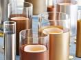 imagen Jarrones decorados con pintura metalizada