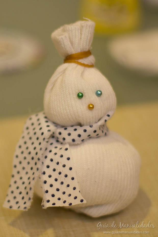 Muñeco navideño con medias 13