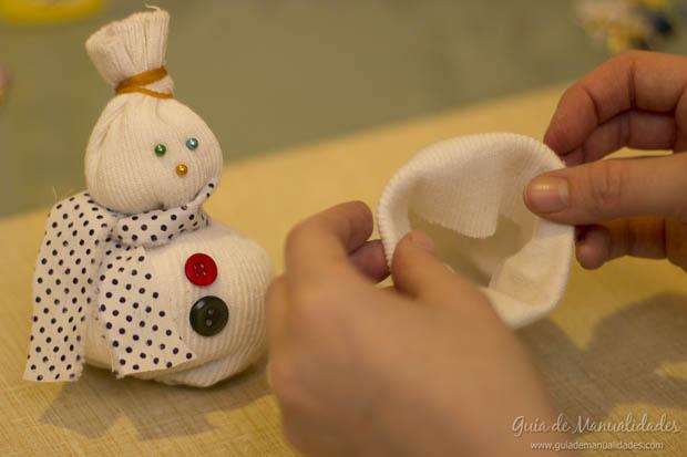 Muñeco navideño con medias 16