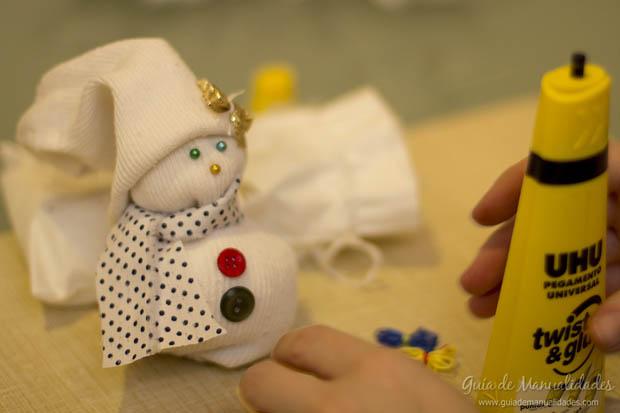 Muñeco navideño con medias 18