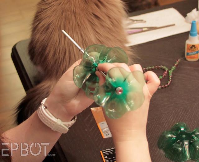 Joyero con botellas plásticas 7