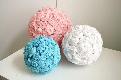 Bolas con flores de papel