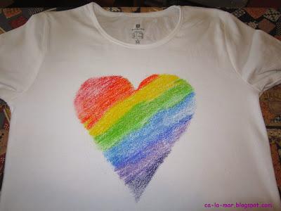 Camisetas decoradas con crayones