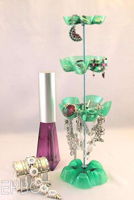 Organizador de bijouterie con botellas