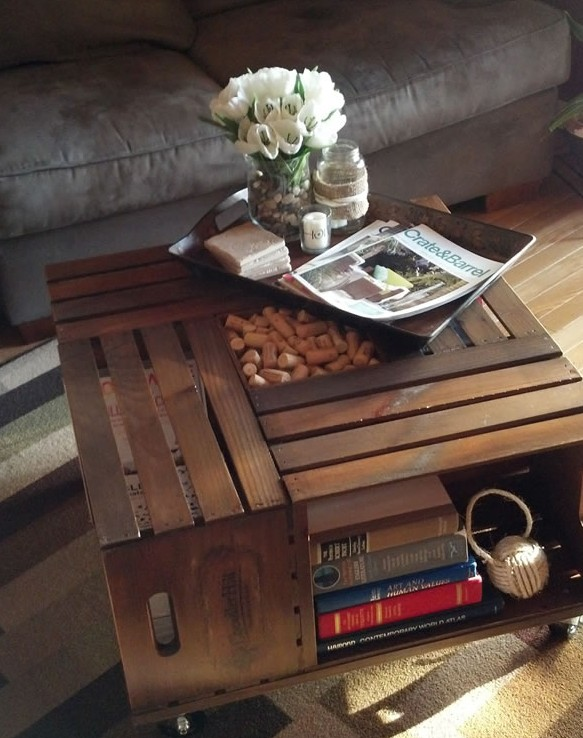 29- Mesa de centro hecha con cajas de madera