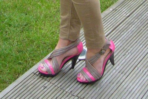 Zapatos pintados con laca de uñas