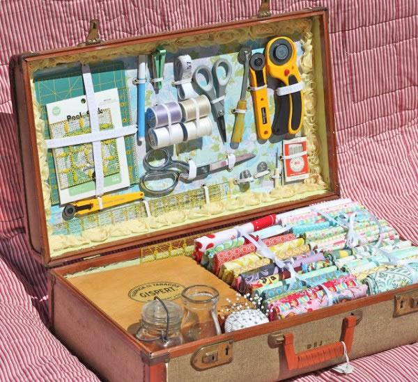 Costurero en maleta vintage