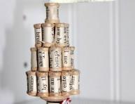 imagen Arbolito de Navidad vintage con carreteles de hilo