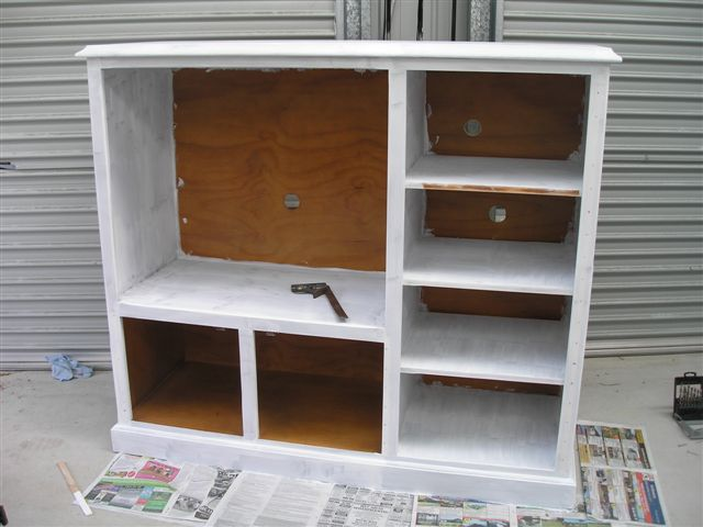 De mueble de tv a cocina para peque as gu a de manualidades for Estantes para cocina pequena