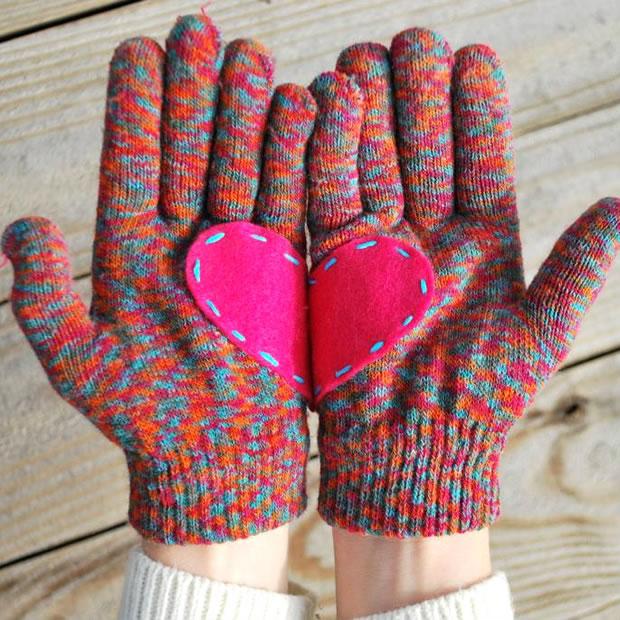 Guantes con corazones 1
