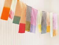 imagen Guirnalda con retazos de tela teñidos