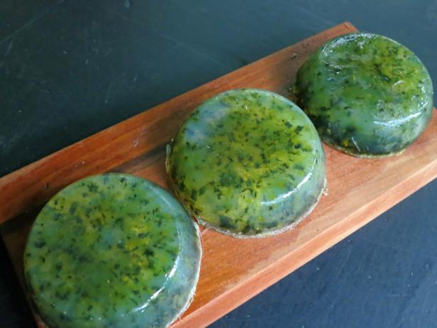 Jabón natural de hierbas 5