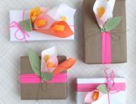 imagen Preciosos lirios de papel para paquetes de regalo