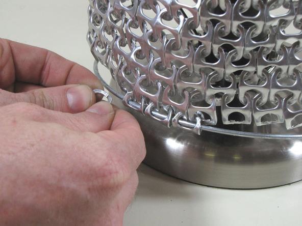 Pantalla para l mpara con anillas de latas gu a de - Se puede pintar el aluminio ...