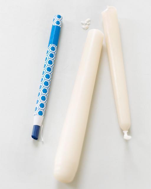 Cómo teñir velas con crayones 2